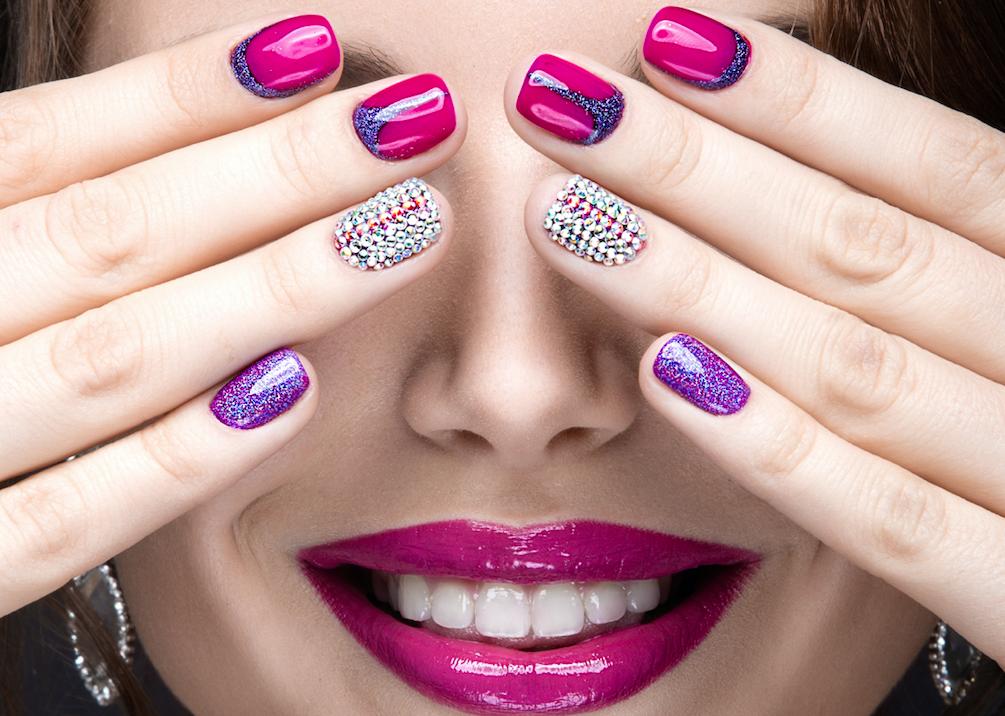 Você conhece as doenças que podem alterar a  saúde das suas unhas e como evitá-las?