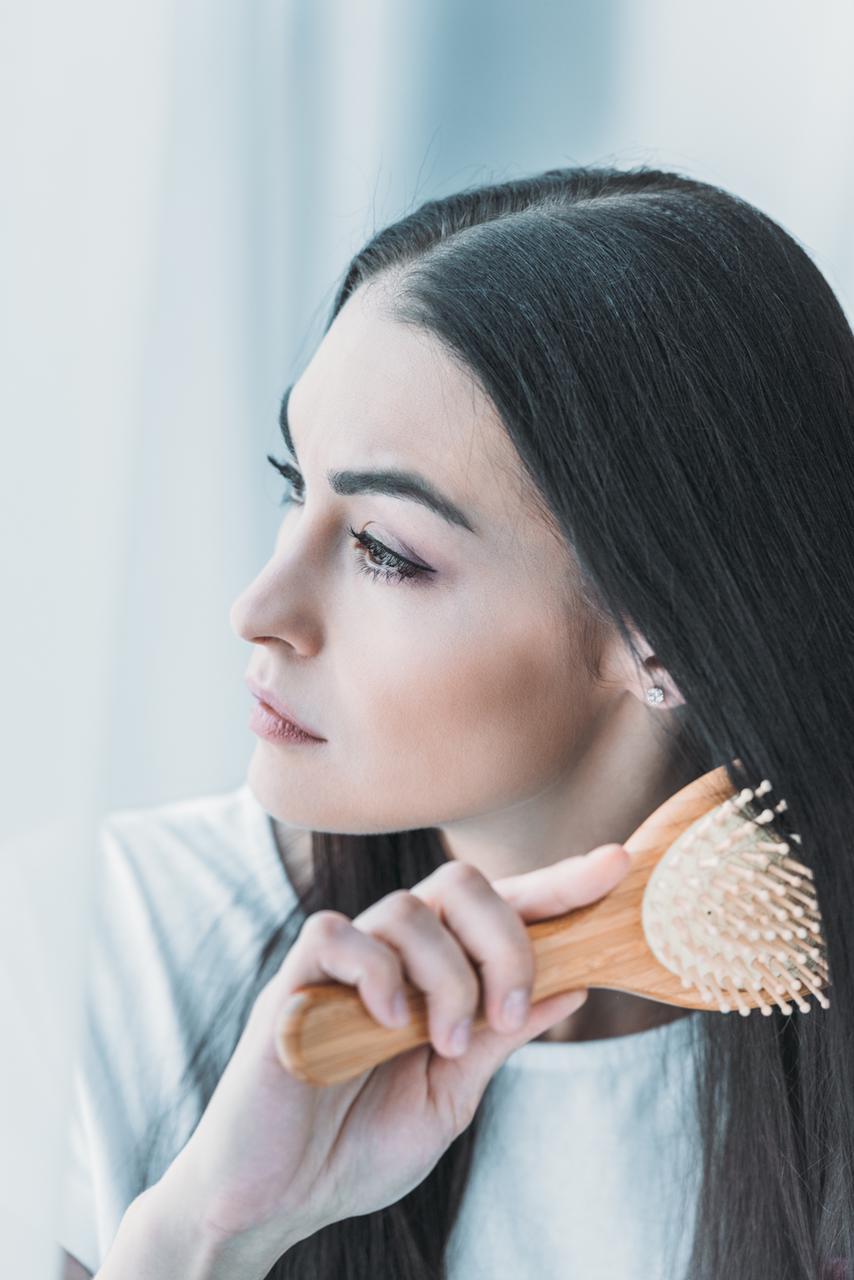Calvície feminina: Saiba como identificar e conheça os principais tratamentos